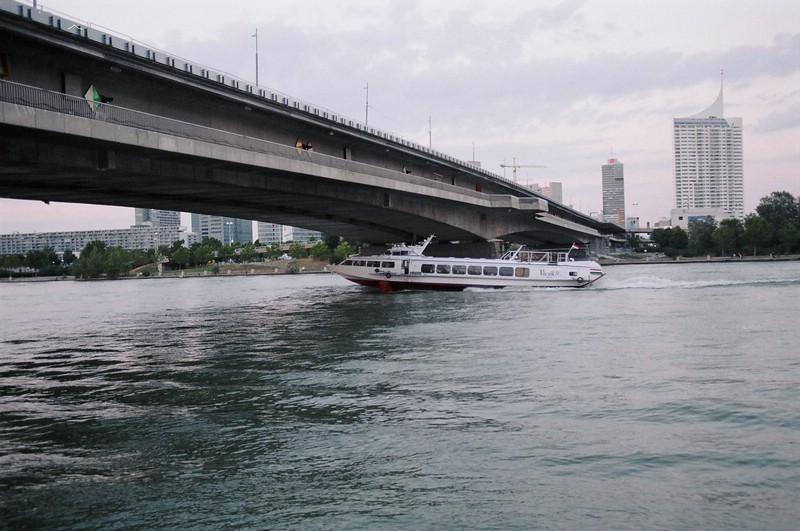 أطول أنهار الصين، والثالث علي العالم